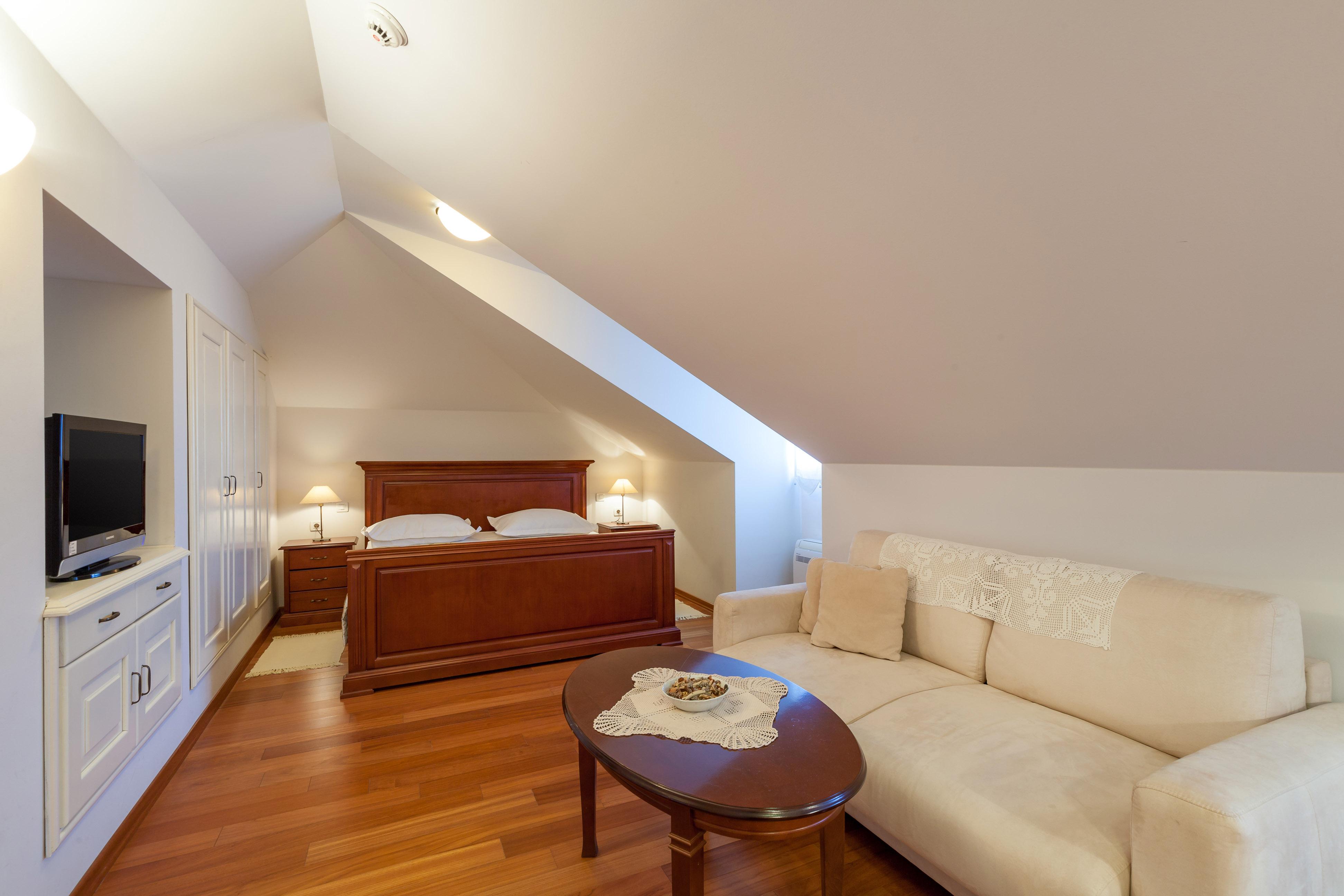 Suite room in the attic of the Villa Mir Vami