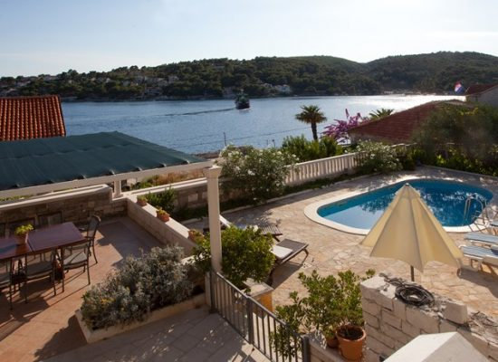 Rent Villa Mir Vami in Croatia