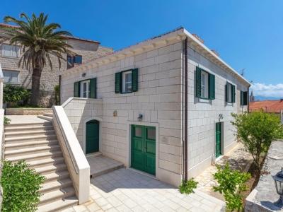Charming Villa Mir Vami for renting on Brac island