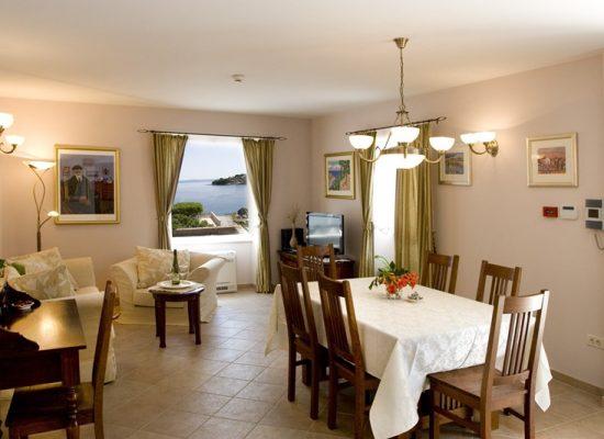Dining and living room |Villa Mir Vami in Croatia