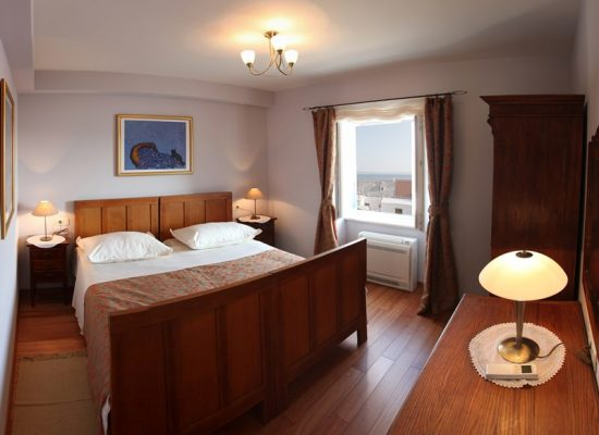 Double-bedded room in Villa Mir Vami in Croatia