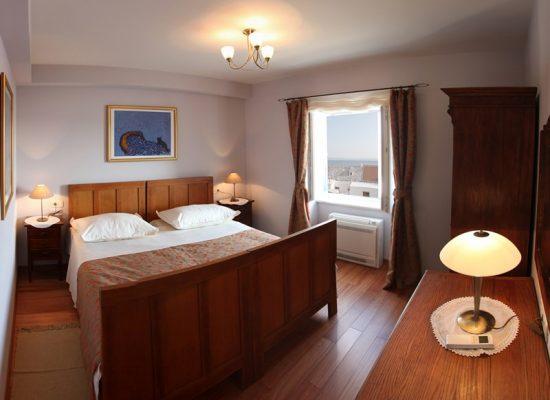 Double-bedded room in Villa Mir Vami in Croatia
