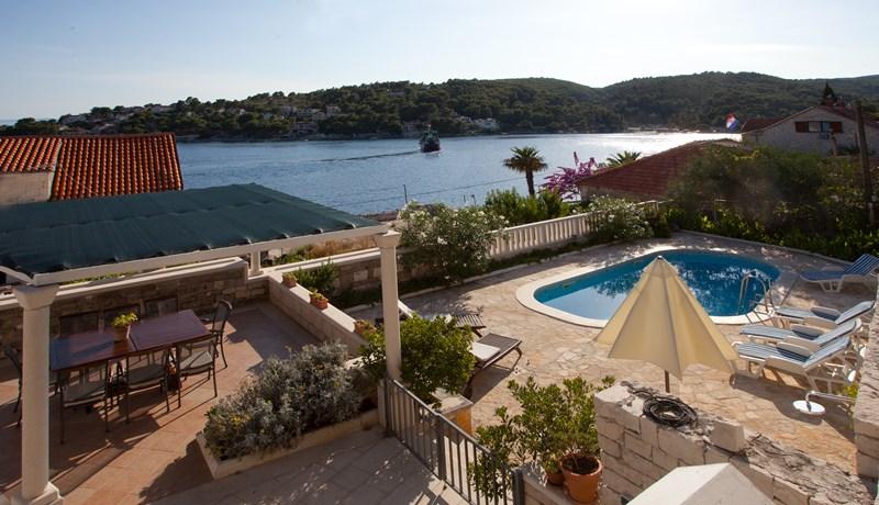 Rent Villa Mir Vami in Croatia
